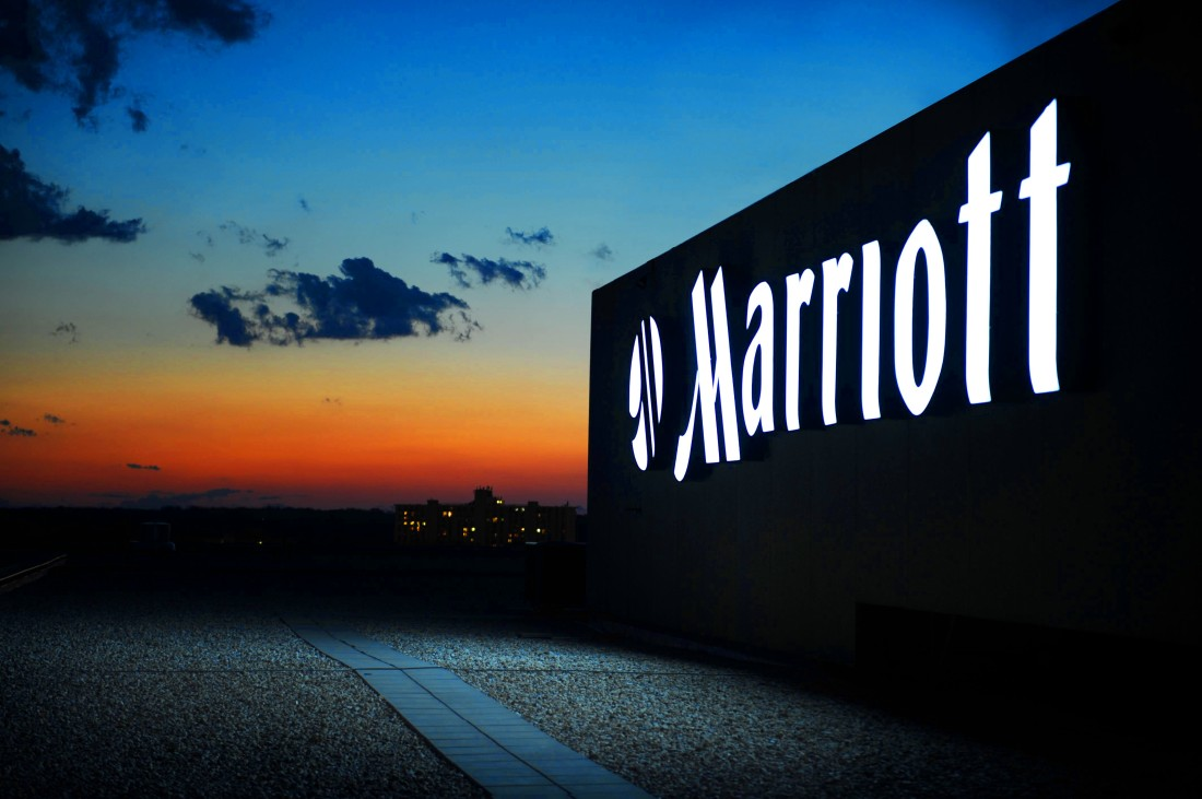 Marriott logo shining in the evening